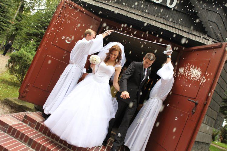 Ślub z mężem… a w gratisie teściowa