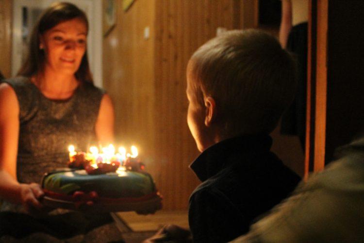 Menu urodzinowe! Łatwe, szybkie i pyszne przepisy! Ciasta, przystawki, mięsa i sałatki!