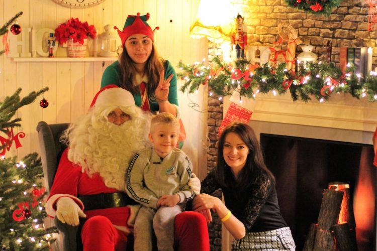 A gdzie elfy robią prezenty? I czy Mikołaj faktycznie jest szefem? A gdyby tak… znów poczuć się dzieckiem?