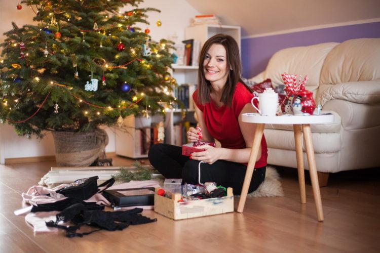 Jak zapakować nietypowy prezent?
